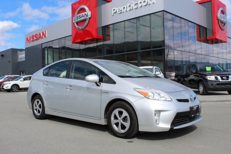2015 Toyota Prius Hybrid, w/ Back up Camera and Low Km's Penticton BC