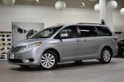 2015_Toyota_Sienna_LE AWD_ Boston MA