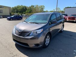 2015_Toyota_Sienna_LE_ Cleveland OH