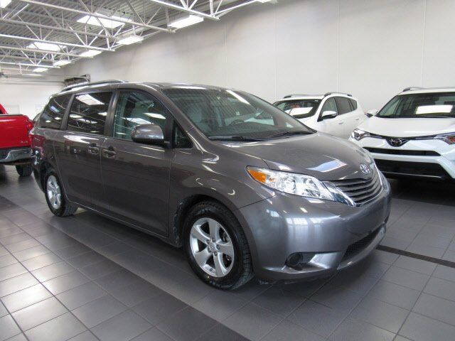 2015 Toyota Sienna LE Green Bay WI