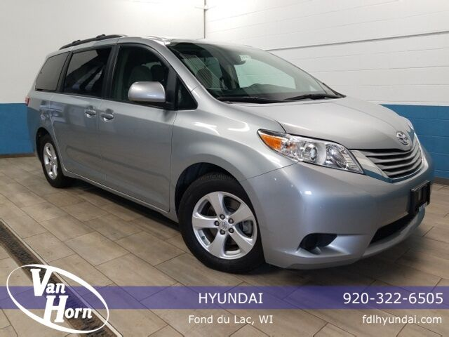 2015 Toyota Sienna LE Plymouth WI