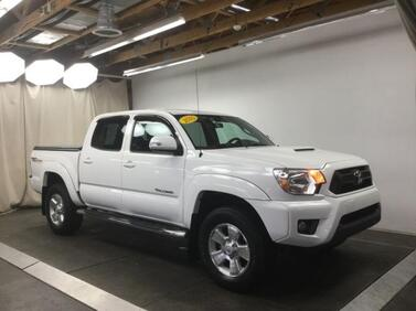2015_Toyota_Tacoma_4WD Double Cab V6 AT_ Muncie IN