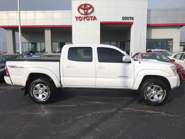 2015 Toyota Tacoma 4WD Double Cab V6 AT Muncie IN