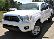 Toyota Tacoma PreRunner - w/ BACK UP CAMERA & TOW HITCH 2015