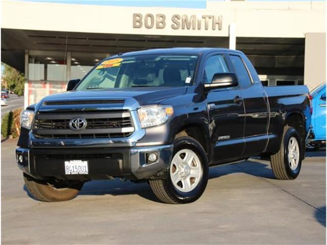 2015 Toyota Tundra SR5 5.7L V8 4x2 Double Cab 6.6 ft. box 145.7 in. WB La Crescenta CA