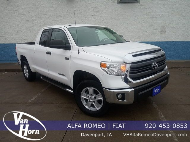 2015 Toyota Tundra SR5 Plymouth WI