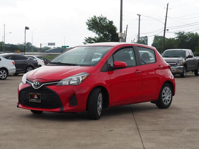 2015 Toyota Yaris SE 5-Door AT Terrell TX
