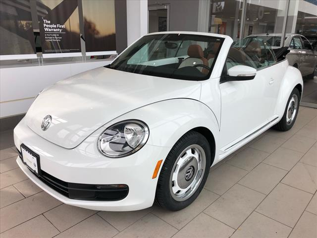 2015 Volkswagen Beetle 2DR AUTO 1.8T CLASSIC Brookfield WI