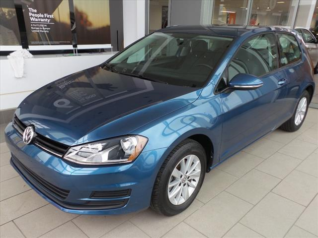 2015 Volkswagen Golf 2DR Brookfield WI