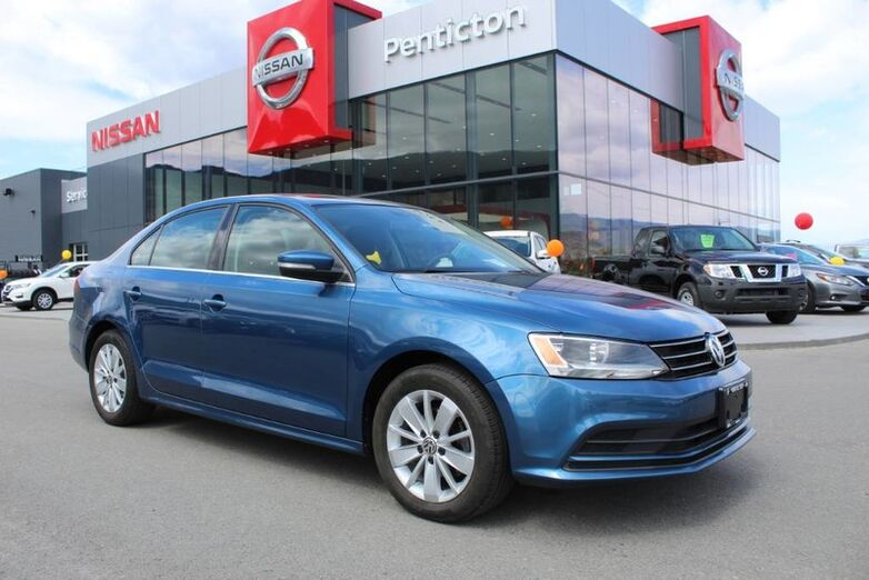 2015 Volkswagen Jetta Sedan Trendline+, Manual, w/ Sunroof, Heated Front Seats, and No Accidents Kelowna BC
