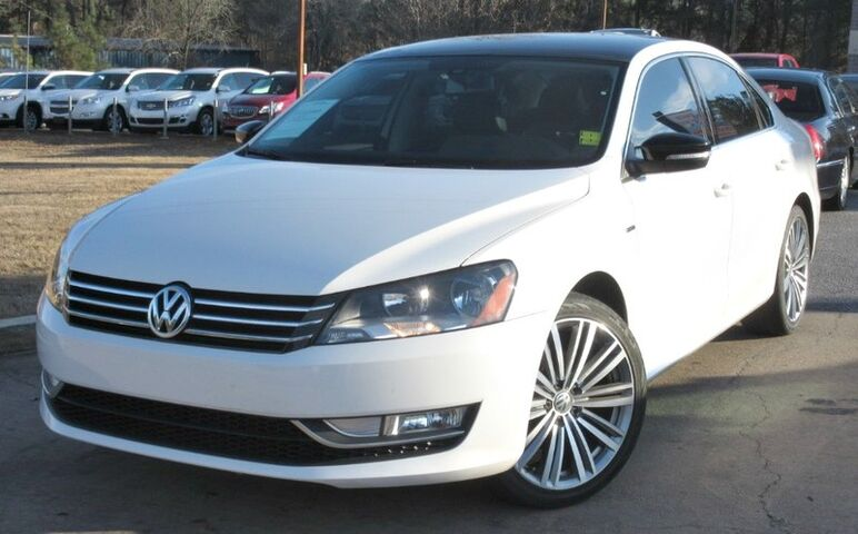 2015 Volkswagen Passat ** SPORT ** - BACK UP CAMERA & LEATHER SEATS Lilburn GA