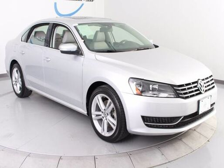 2015_Volkswagen_Passat_2.0L TDI SE w/Sunroof_ Longview TX