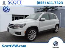 2015_Volkswagen_Tiguan_4MOTION 4dr Auto SE w/Appearance_ Providence RI