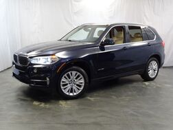 2016_BMW_X5_xDrive35i / 3.0L Twin Turbo Engine / AWD xDrive / Cold Weather Package / Driver Assistance Plus / Luxury Line / Premium Package / Sunroof / Navigation / Backup Camera / Bluetooth_ Addison IL