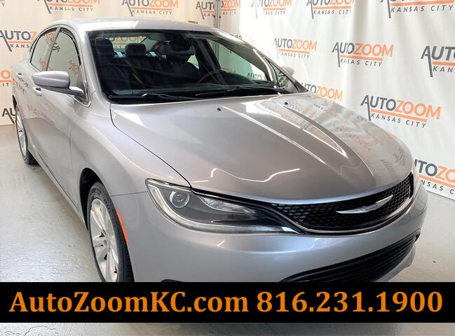 2016 CHRYSLER 200 LX  Kansas City MO