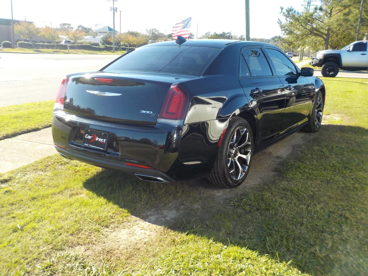 2016 CHRYSLER 300 S, LEATHER, HEATED SEATS, BACK UP CAM, NAVIGATION, BEATS SOUND SYSTEM, BLUETOOTH, ONLY 46K MILES! Virginia Beach VA