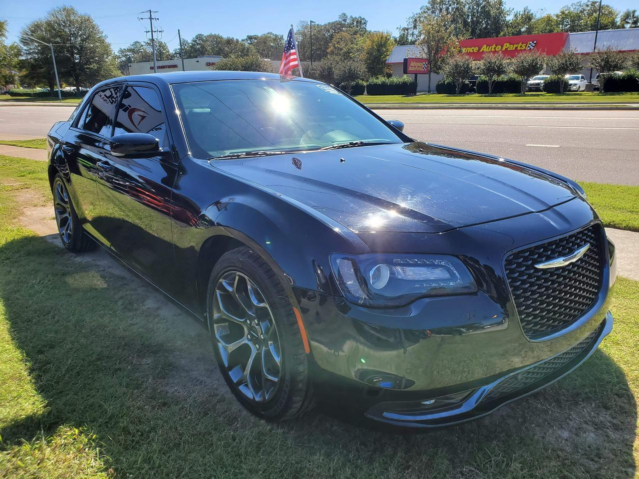 2016 CHRYSLER 300 S V6, LEATHER, HEATED SEATS, BACK UP CAM, NAVIGATION, BEATS SOUND SYSTEM, BLUETOOTH, ONLY 46K MILES! Virginia Beach VA