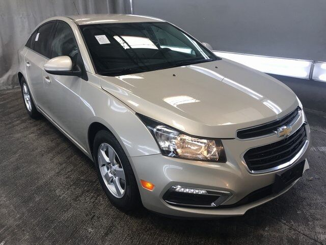 2016 Chevrolet Cruze Limited 1LT Plymouth WI