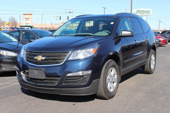 2016 Chevrolet Traverse LS Fort Wayne Auburn and Kendallville IN