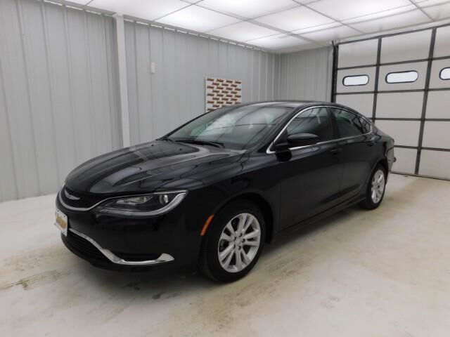 2016 Chrysler 200 4dr Sdn Limited FWD Manhattan KS