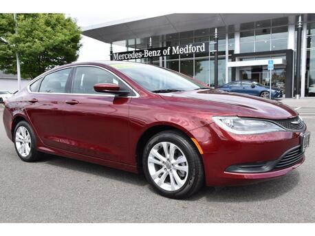 2016_Chrysler_200_LX_ Medford OR