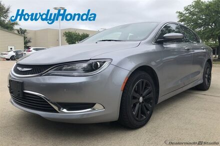 2016_Chrysler_200_Limited_ Austin TX