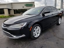 2016_Chrysler_200_Limited_ Fort Wayne Auburn and Kendallville IN