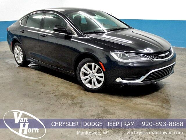 2016 Chrysler 200 Limited Plymouth WI