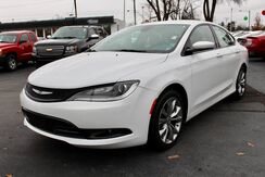 2016_Chrysler_200_S_ Fort Wayne Auburn and Kendallville IN