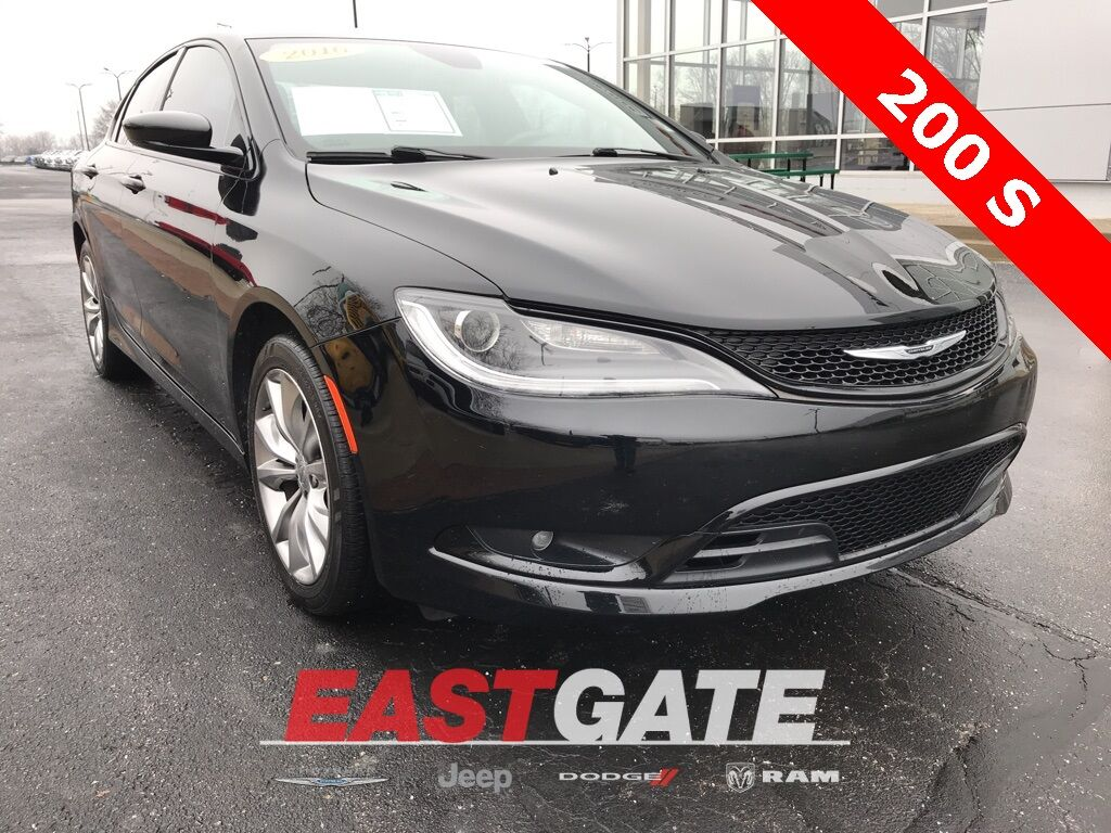 2016 Chrysler 200 S Indianapolis IN