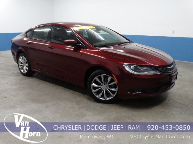 2016 Chrysler 200 S Plymouth WI