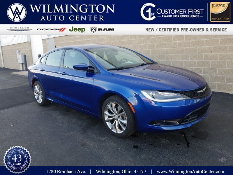 2016 Chrysler 200 S Wilmington OH