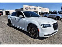 2016_Chrysler_300_300S Alloy Edition_ Pampa TX