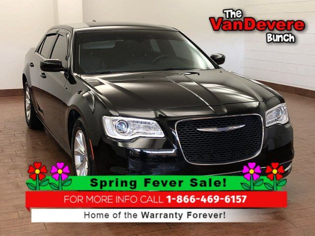 2016 Chrysler 300 Limited Akron OH