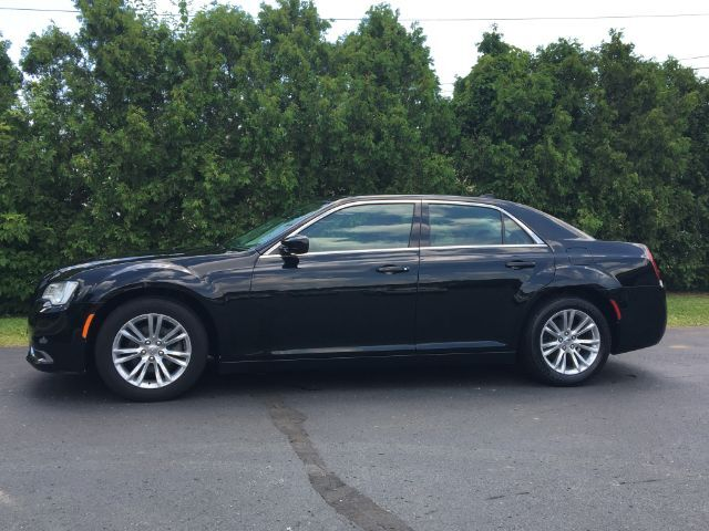 2016 Chrysler 300 Limited RWD Richmond IN
