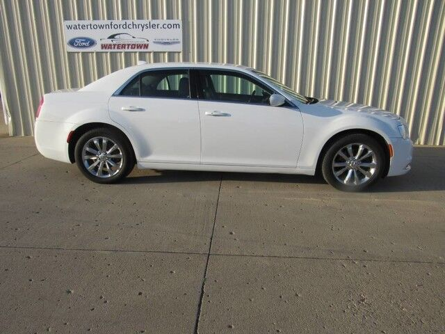 2016 Chrysler 300 Limited Watertown SD