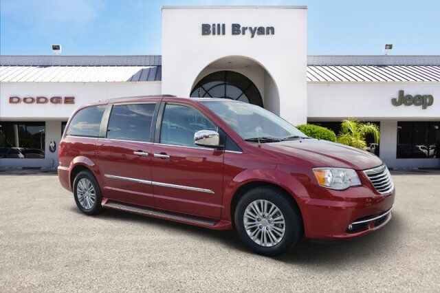 2016 Chrysler Town & Country  Leesburg FL
