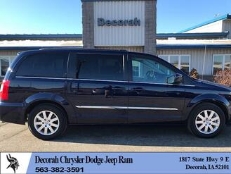 Chrysler Town & Country 4d Wagon Touring 2016