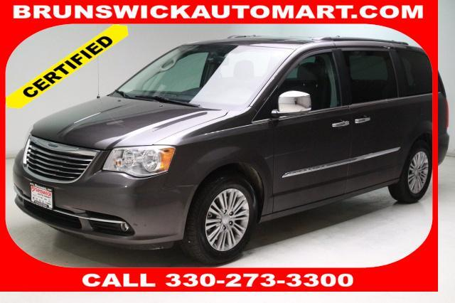 2016 Chrysler Town Country 4dr Wgn Touring L Anniversary Editi Brunswick Oh