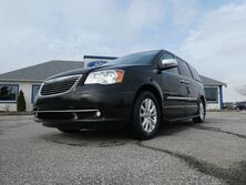 Chrysler Town & Country Limited- LOADED- REMOTE START- LEATHER- RUNNING BOARD 2016