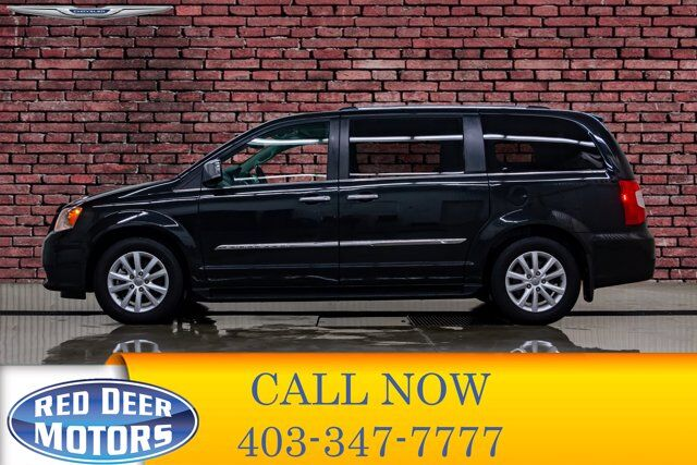 2016 Chrysler Town & Country Limited Leather Roof Nav DVD BCam Red Deer AB