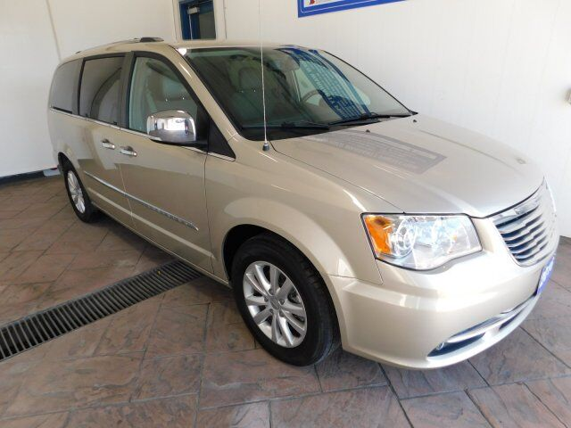 2016 Chrysler Town & Country Limited Listowel ON