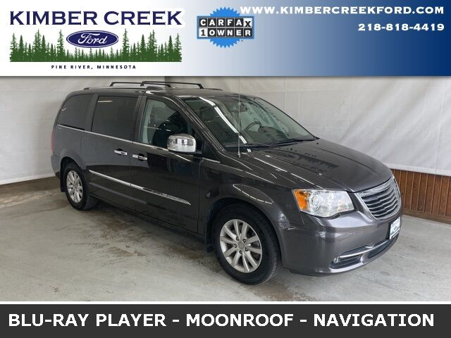 2016 Chrysler Town & Country Limited Pine River MN