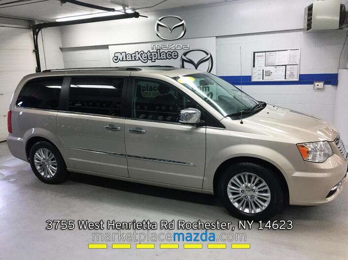 2016 Chrysler Town & Country Limited Rochester NY