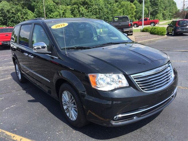 2016 Chrysler Town & Country TOURING-L ANNIVERSARY EDITION Evansville IN