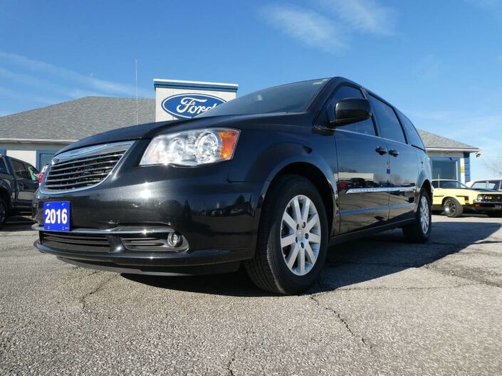 2016 Chrysler Town & Country Touring- EXTENDED WARRANTY RUST PROOFED Essex ON