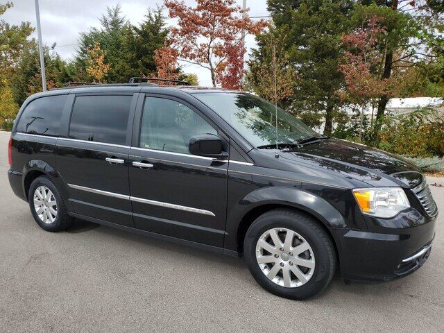 2016 Chrysler Town & Country Touring Bloomington IN