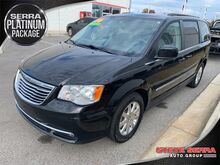 2016_Chrysler_Town & Country_Touring_ Decatur AL