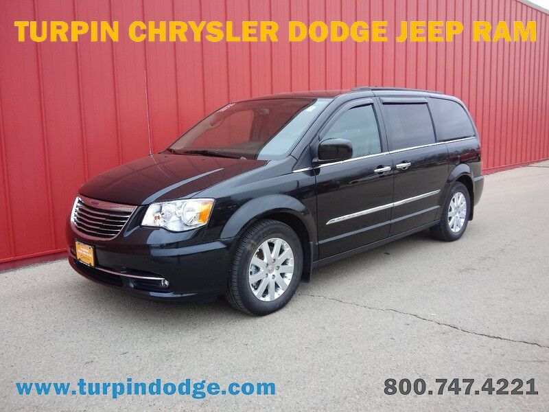 2016 Chrysler Town & Country Touring Dubuque IA