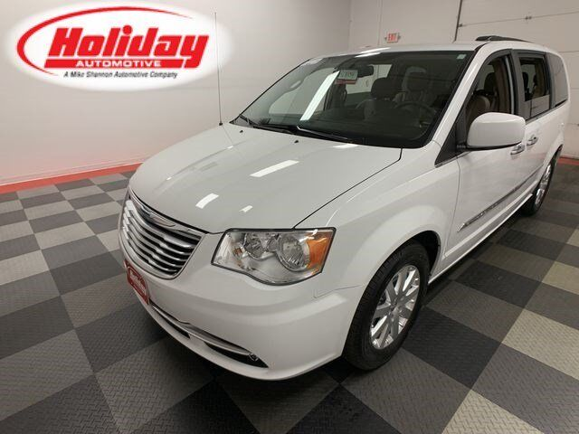 2016 Chrysler Town & Country Touring Fond du Lac WI